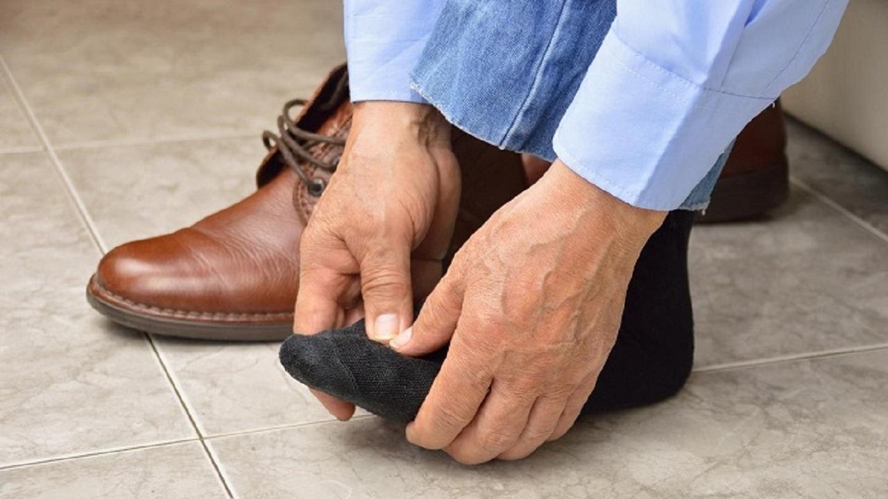 سندرم پاهای سنگین چیست؟ + علائم و درمان