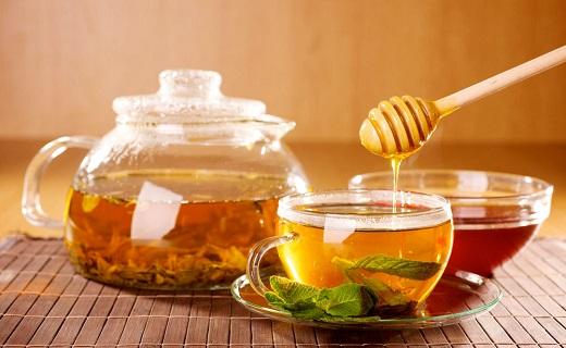 حرارت دادن عسل در آب جوش
