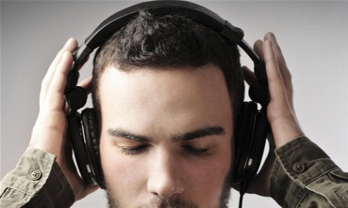 کاهش شنوایی بر ا ثر استفاده از هندزفری