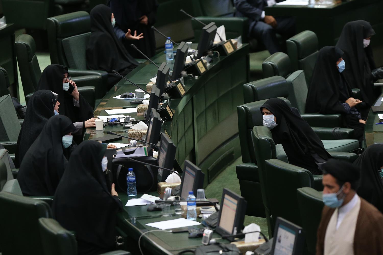 چرا صحن مجلس امروز دوبار غیر علنی شد؟