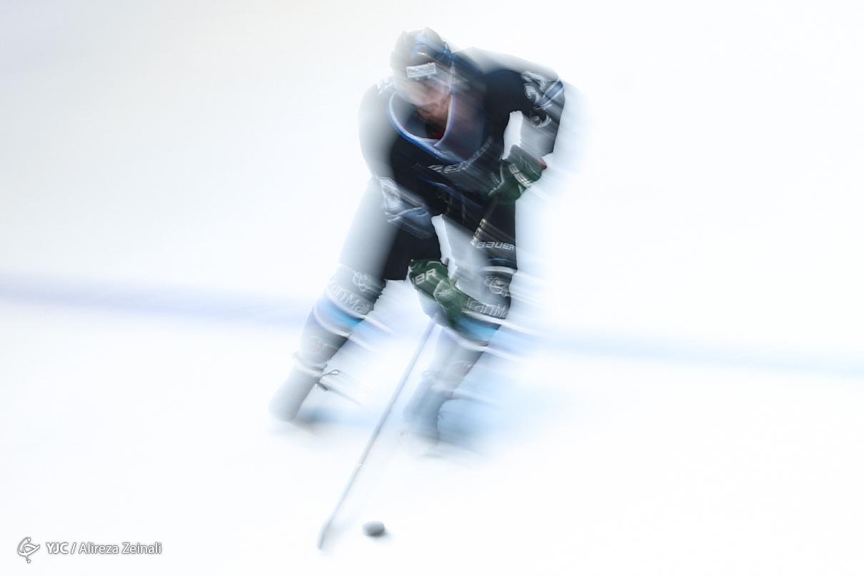 رقابت تیم های هاکی روی یخ بانک آینده - بیمه رازی