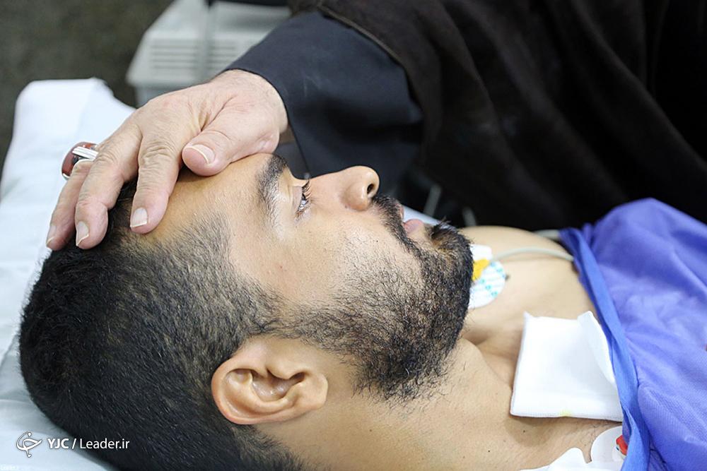 عیادت از افراد تیر خورده در حادثه تروریستی 31 شهریور اهواز