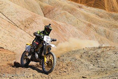 مسابقه موتور اندرو کوهستان