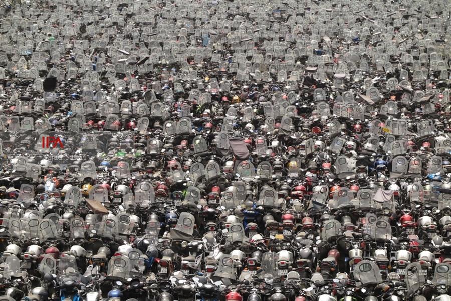 سرنوشت موتور سیکلتهای رسوب شده در پارکینگها/ رسوب ۷۰ هزار موتور سیکلت توقیفی در پارکینگهای پایتخت