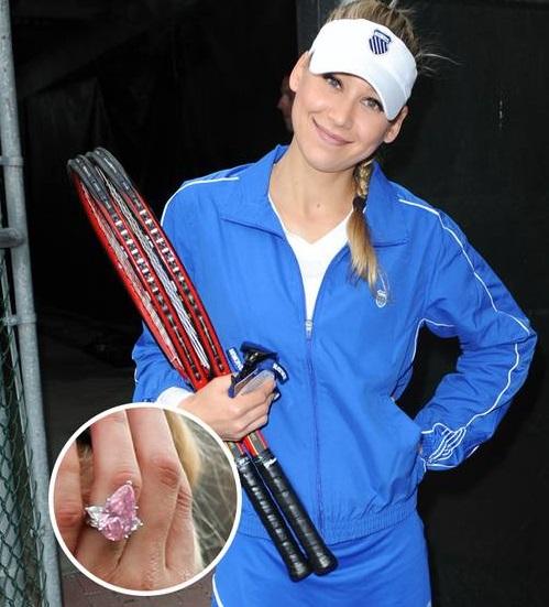 آنا کونیکووا، بازیکن سابق تیم ملی تنیس و همسر خواننده مشهور