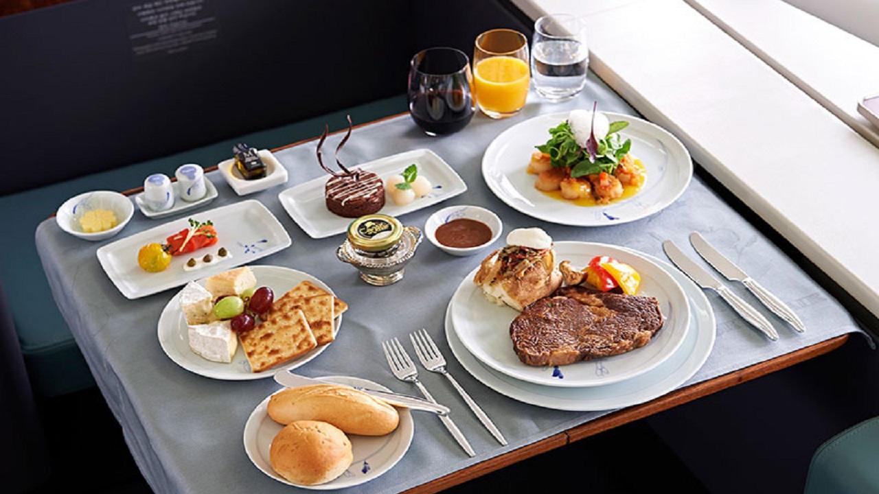 پرواز چه تاثیری بر روی مزه خوراکی ها می گذارد؟/// چرا مزه غذا در هواپیما بهتر می شود؟/// روی آسمان ذائقه تان به خوراکی ها را به روز رسانی کنید