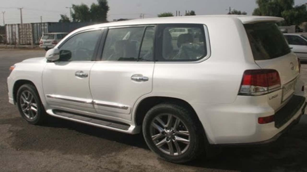 کشف خودروی ۴ میلیارد تومانی بدون صاحب در شیراز