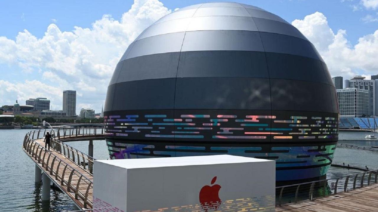 اولین فروشگاه اپل بر روی آب