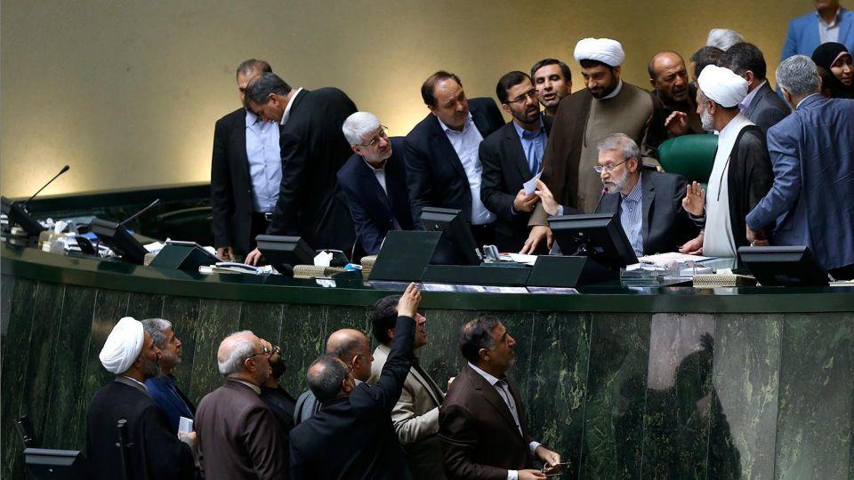 شرط لاریجانی برای حضور در انتخابات ۱۴۰۰؛ حمایتم کنید تا شرکت کنم