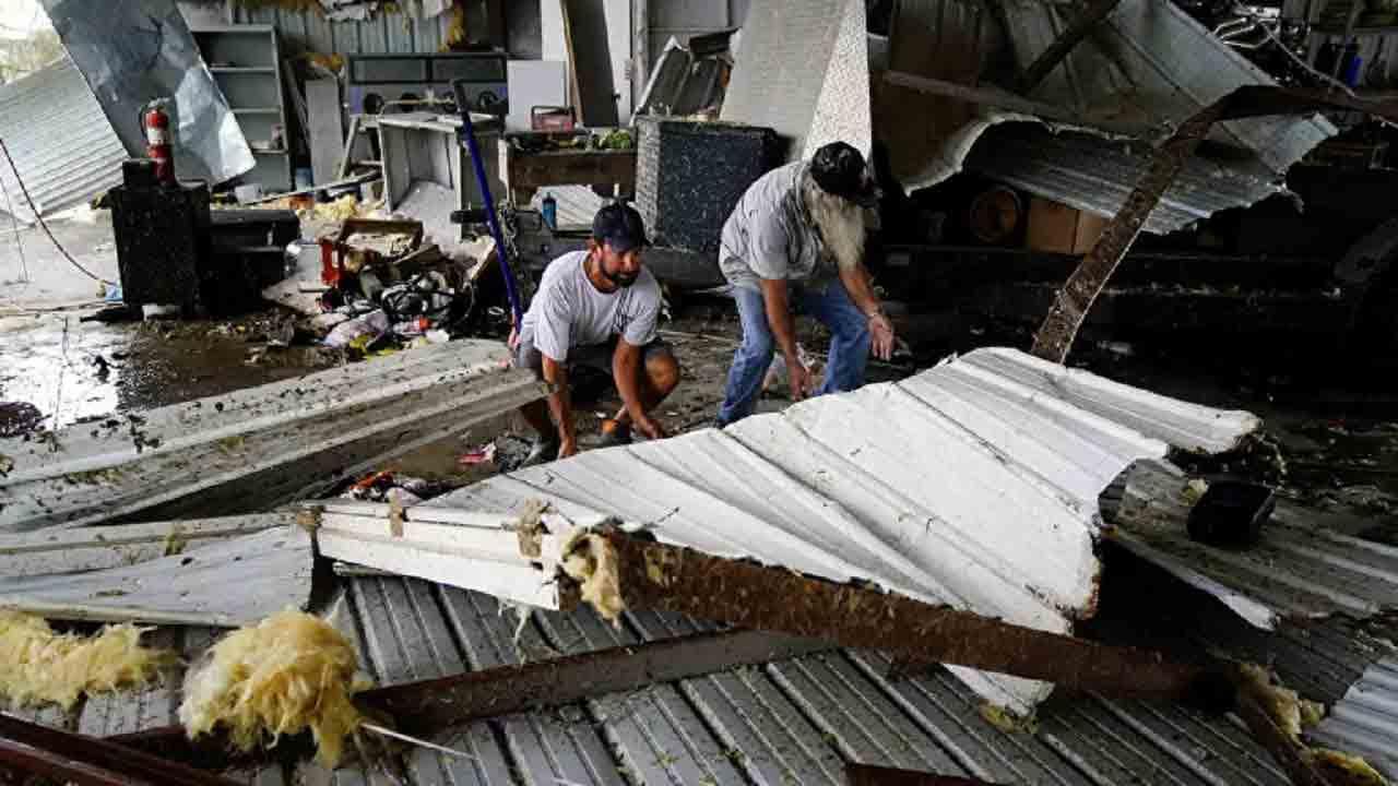 طوفان لارا