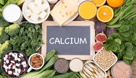 علائم کمبود کلسیم/ ۳ مشکلی که کمبود این ماده معدنی برایتان به همراه دارد