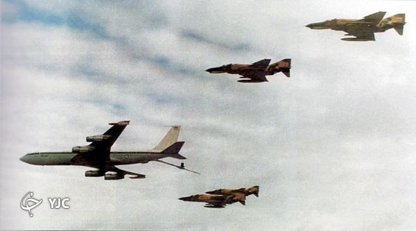 کدام فرمانده ارتش عملیات ۱۴۰ فروندی و حمله به اچ - ۳ را طراحی کرد؟