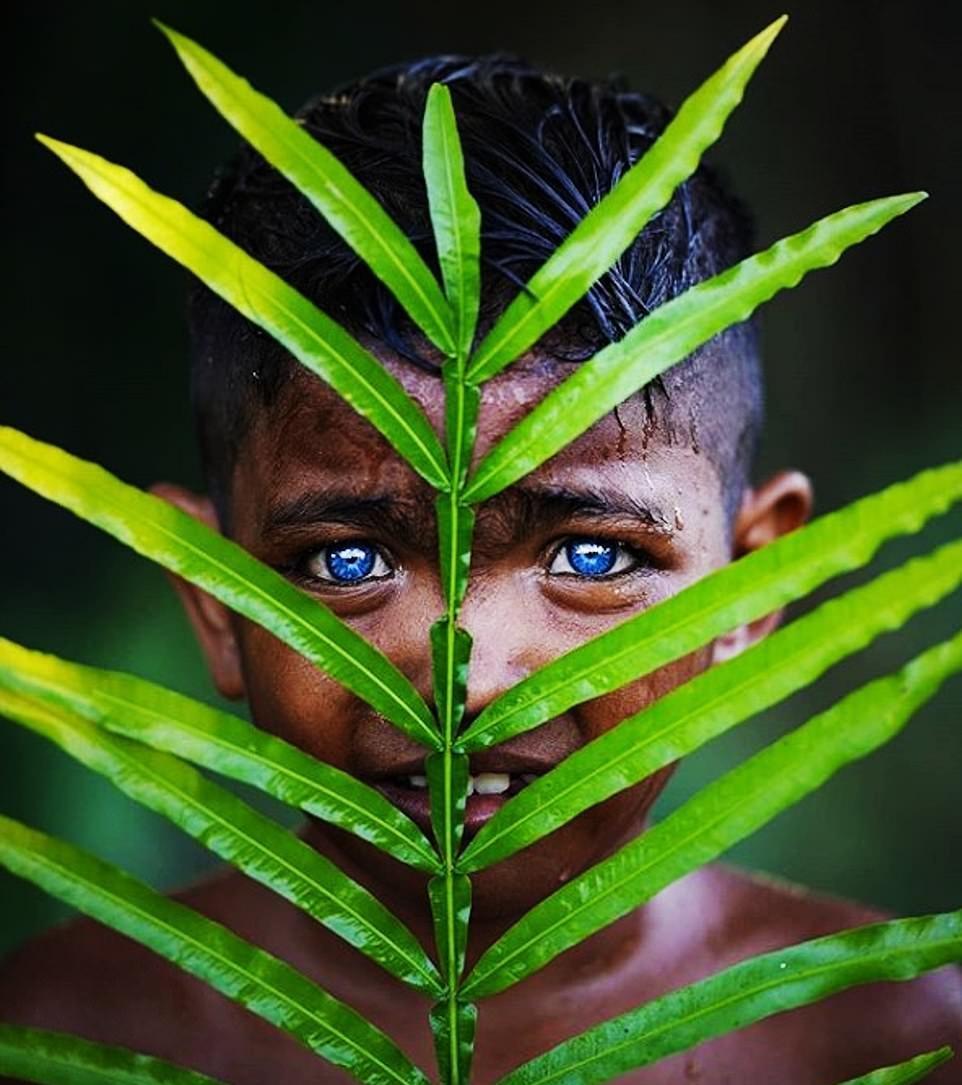 قبیله چشم آبیها + تصاویر