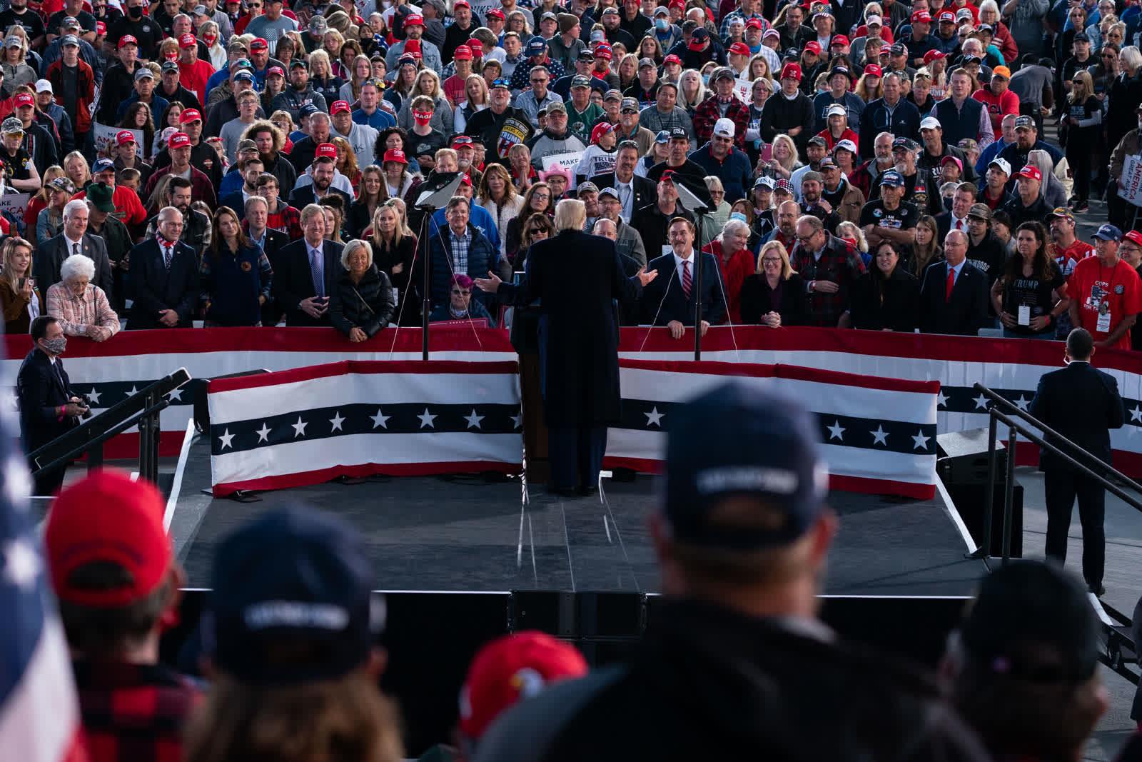 ترامپ یک هفته پیش از ابتلا به کرونا کجاها بوده است؟ +تصاویر