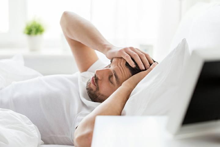 بلاهای که خوابیدن زیاد به سرتان می آورد