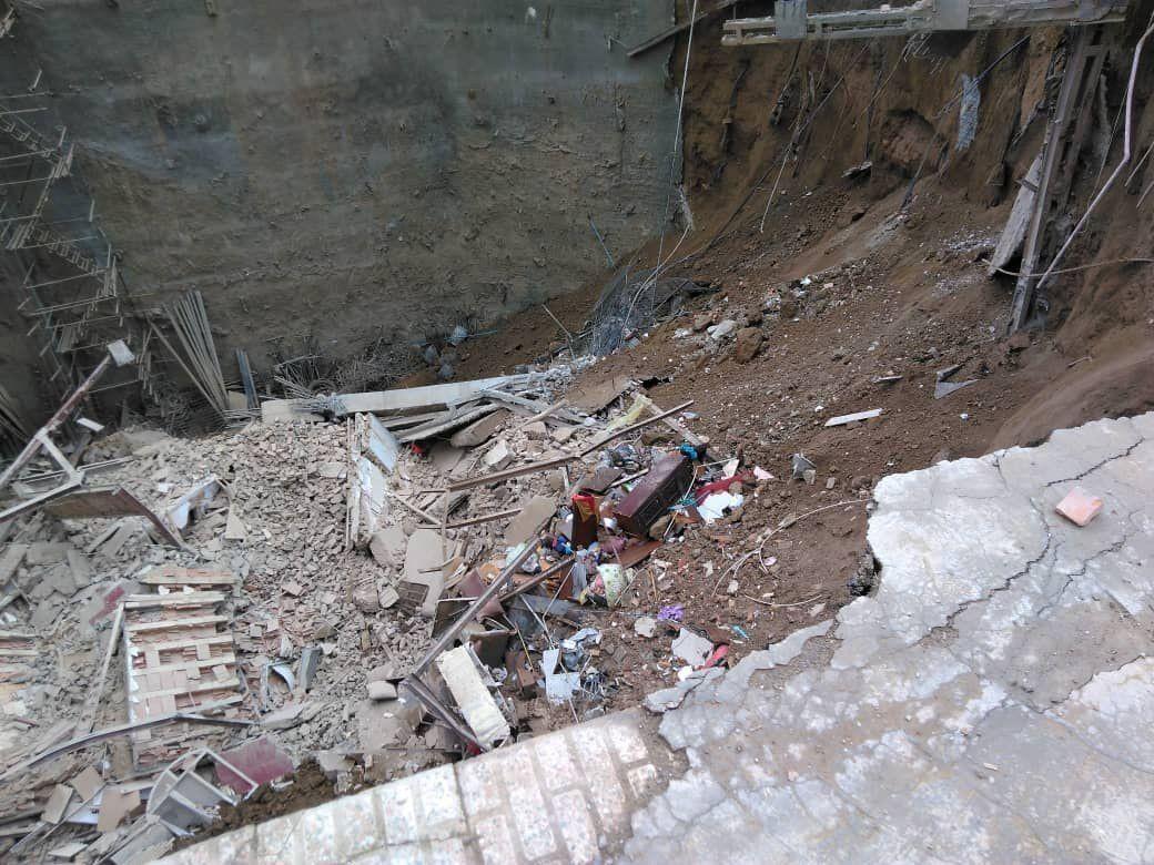 ریزش ساختمانی در خیابان ابوذر تهران/ نگهبانان زیر آوار ماندند