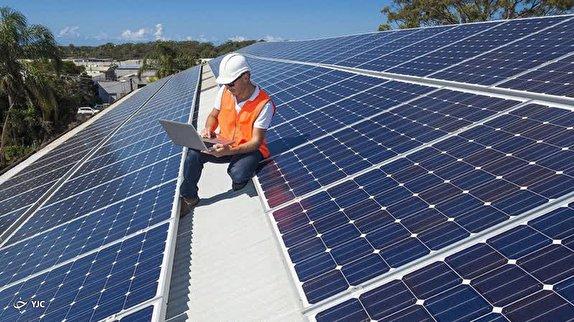 باشگاه خبرنگاران - احداث نخستین نیروگاه خورشیدی شناور کشور / راه حل مهندسان ایرانی برای برون رفت از بحران کم آبی چیست؟