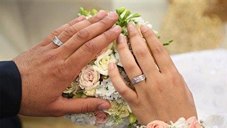 شما نظر دهید؛ علت اینکه جوانان تمایلی به ازدواج ندارند، چیست؟