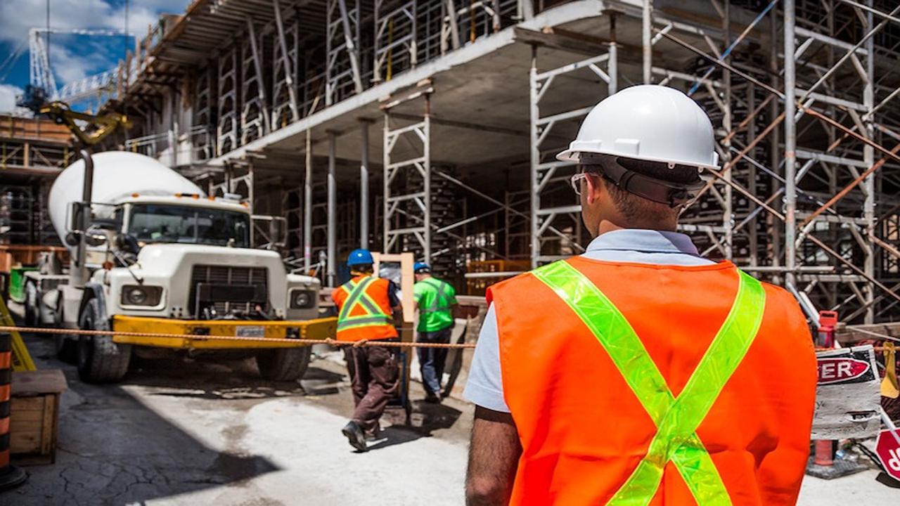 کارگر ساختمانی