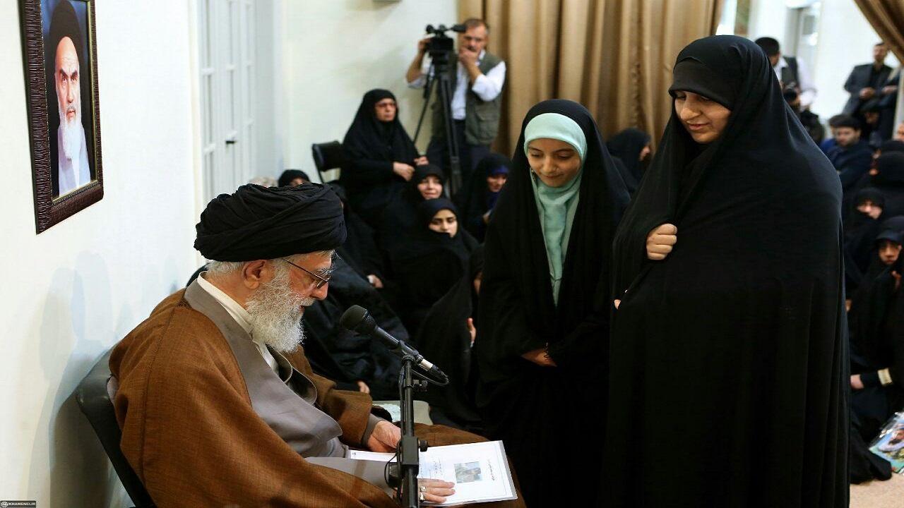 روایتی از دیدار خانواده شهید بلباسی با رهبر انقلاب