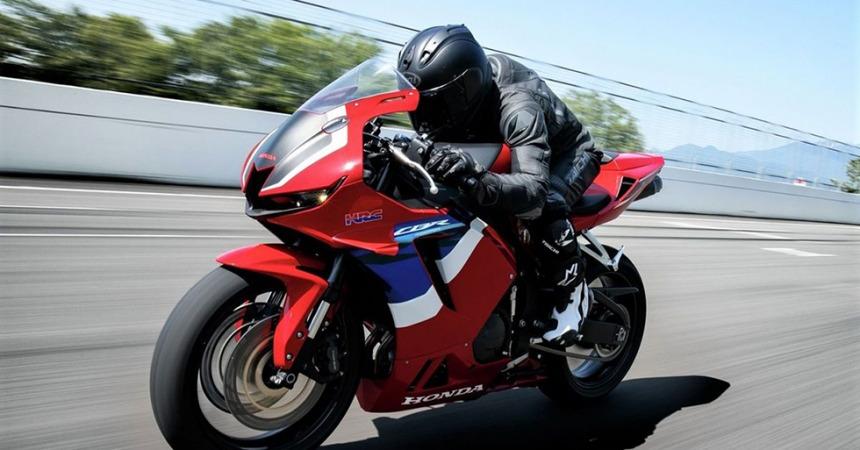 موتورسیکلت CBR۶۰۰RR؛ آخرین فن آوری کنترل الکترونیکی