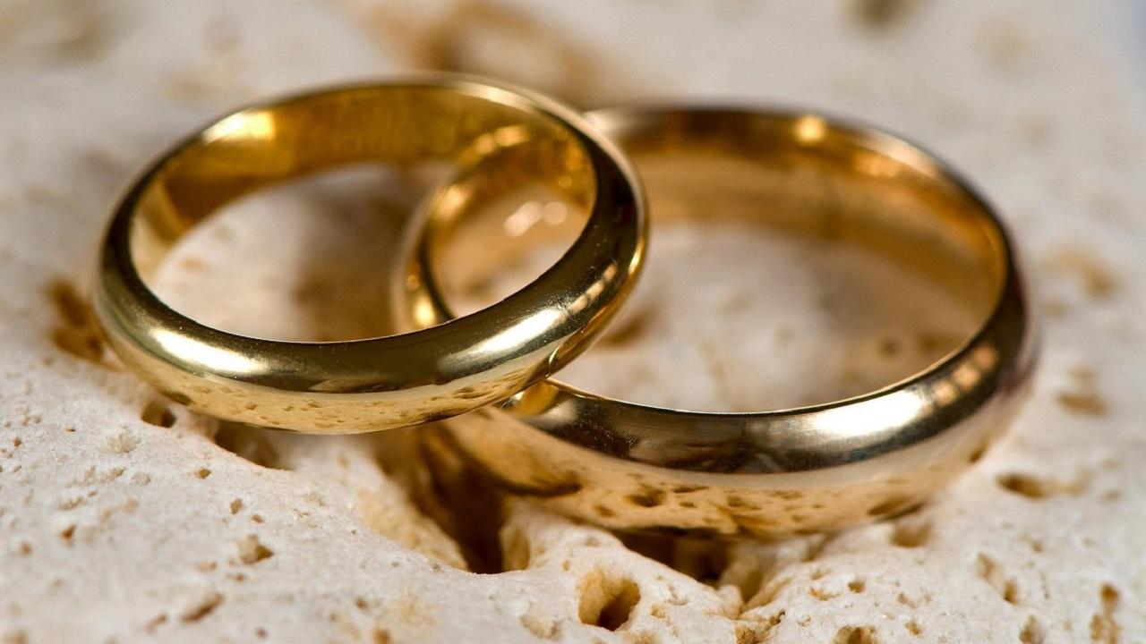 چرا در بعضی کشورها حلقه ازدواج را دست چپ و در برخی دیگر دست راست می اندازند؟