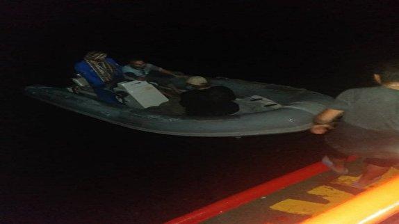 باشگاه خبرنگاران - نجات ۵ سرنشین قایق صیادی در محدوده خلیج چابهار