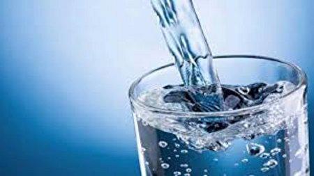 چرا افراد مسن باید زیاد آب بنوشند؟