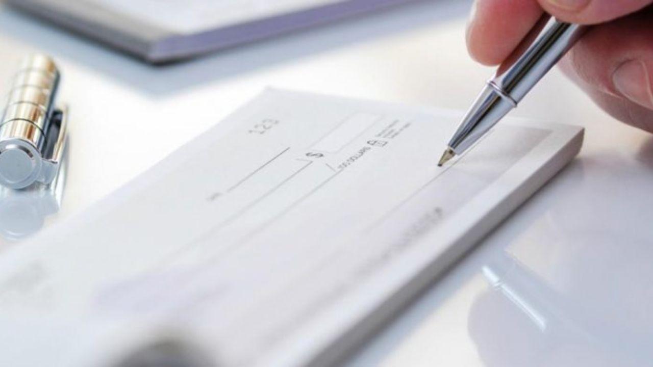 مجلس با یک فوریت لایحه اصلاح قانون چک موافقت کرد