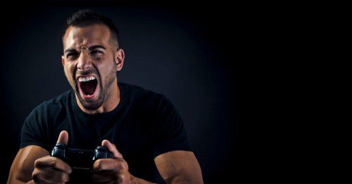 سونی ضبط صدای بازیکنان در PS5 را به دلیل گزارش آزار و اذیت فعال میکند