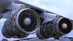 تلاش جوانان قدرتمند ایرانی برای بومی سازی تعمیر موتور هواپیما + فیلم