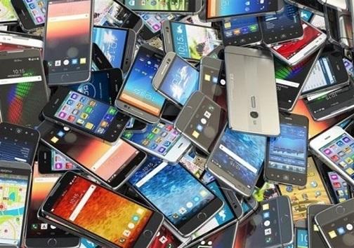 کشف محموله گوشیهای تلفن همراه خارجی در گلپایگان/ کشف ۱۷ کیلو تریاک در