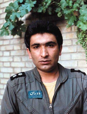 خلبانی که جواب تحقیر صدام را بعد از دو ساعت داد/ عراق برای سر این خلبان جایزه تعیین کرده بود