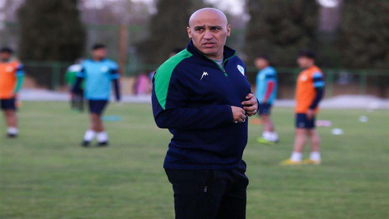 منصوریان: مبلغ قرارداد بازیکنان حباب است/ تیم تراکتور را برای قهرمانی آماده میکنیم