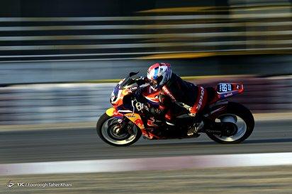 مسابقه موتور سواری، سرعت، هیجان