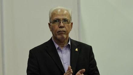 بیات: دخالت افراد سیاسی در فوتبال باعث ایجاد مشکل میشود