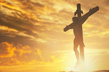 اظهارات مسیح قلابی که بعد بازداشت، افسر راهنمایی و رانندگی از آب درآمد: من زبان خدا هستم! + فیلم