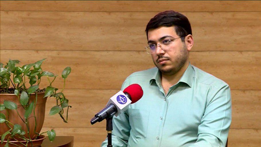 منتقد هنر محمدرضا باقری