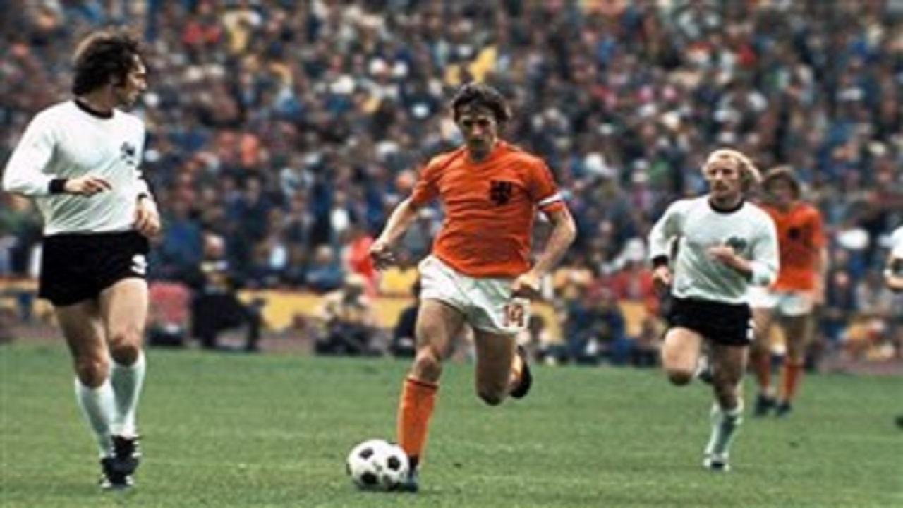 یوهان کرایوف اسطوره هلندی فوتبال جهان + فیلم