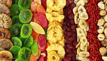 فوایدی که با دانستن آن حتما میوه خشک میخورید!