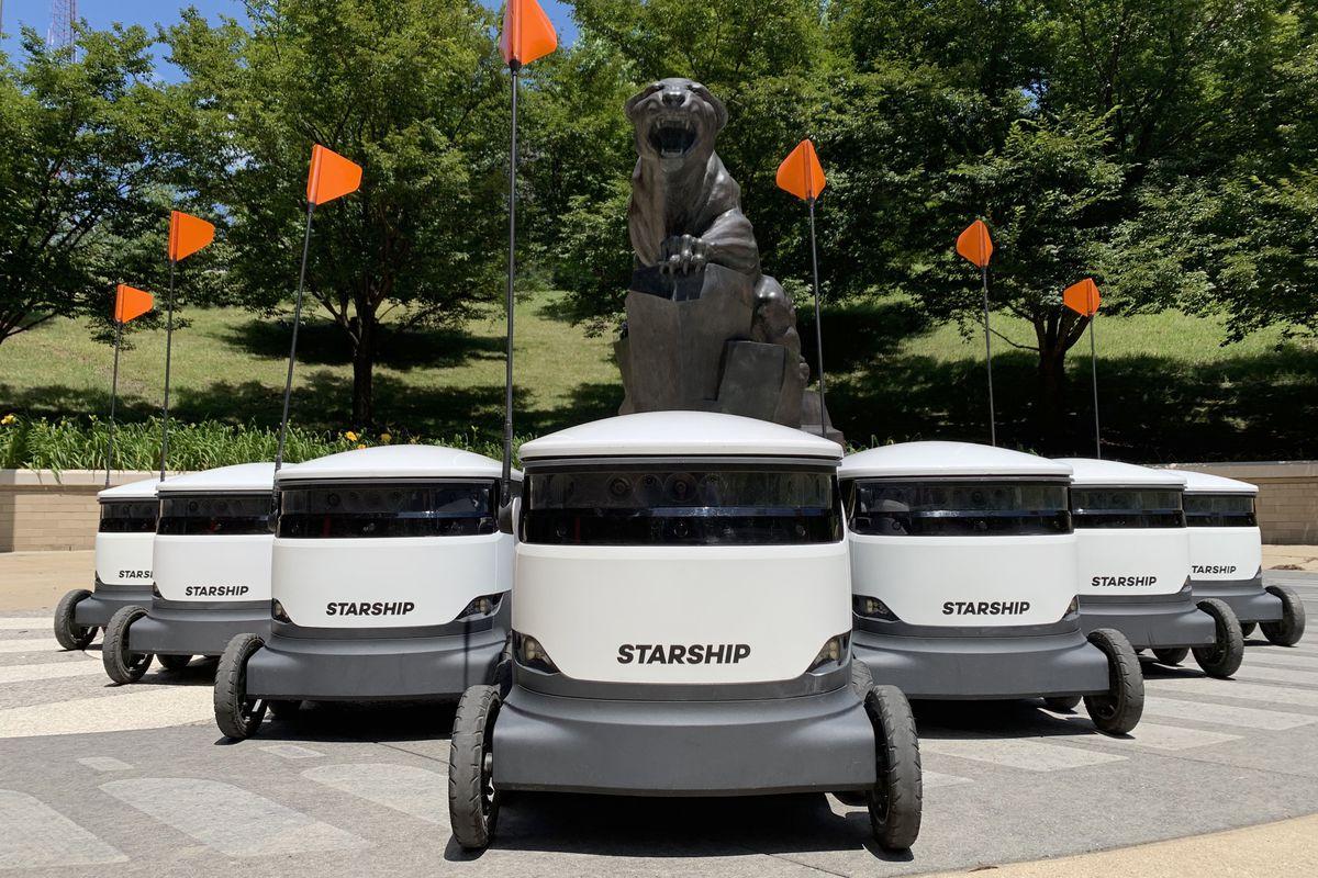 رباتهای تحویل دهنده سفارش