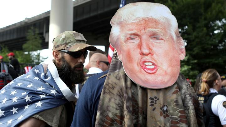 «Q»هایی که برای پیروزی ترامپ سنگ تمام میگذارند/ «علی صوفان» چگونه لشکر سایبری ترامپ را مدیریت میکند + تصاویر