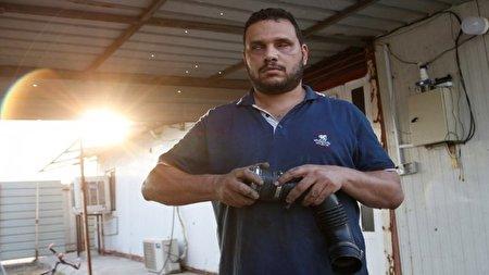 مکانیک نابینا در عراق که مشتری ها برای مهارتش صف می کشند