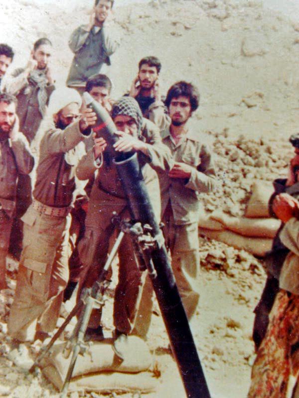روایت شیرین رهبر انقلاب از پیرمردی که خمپاره شلیک میکرد!