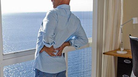 سرطان مرگباری که درد کمر نشانه آن است!