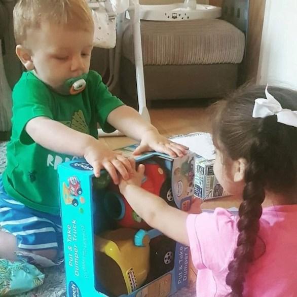 بیماری که حسرت غذاخوردن را از بدو تولد بر دل کودک ۴ ساله گذاشت