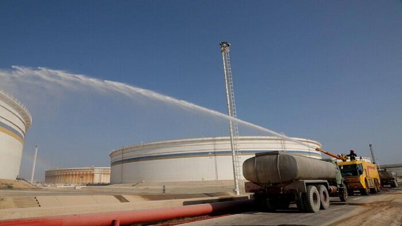 مانور مقابله با آتشسوزی مخازن در خارک برگزار شد