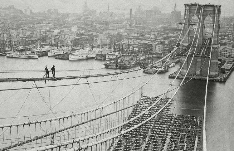 عکسهای تاریخی از بناهای معروف در دست ساخت