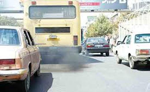 خمیازه سیاه اتوبوسهای پیر در خیابانهای بجنورد