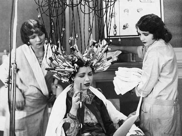 عجیب ترین رفتارهای زنان قدیم